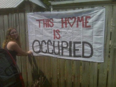 Occupy Chattanooga rallies to support homeowner facing foreclosure